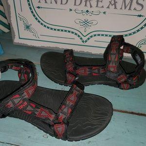 Boys Sz 4 Teva Hurricane 3 Sports Sandals